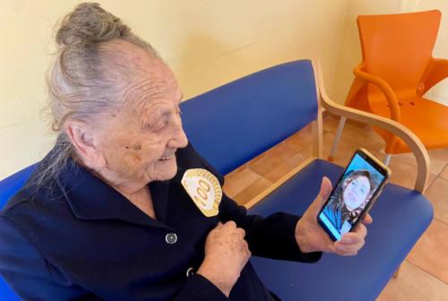 Falconara festeggia nonna Ullia, a 100 anni è riuscita a sconfiggere il covid