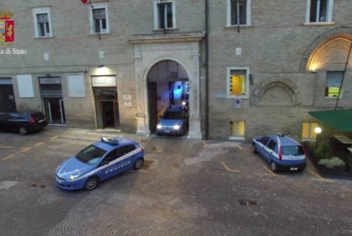 Macerata: espulso, torna in Italia e richiede il permesso di soggiorno. Arrestato