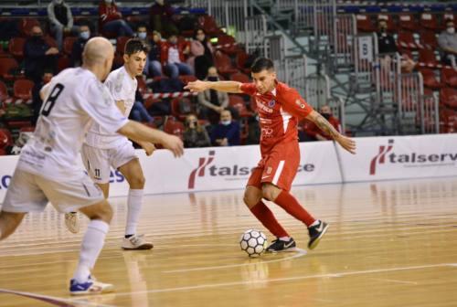 Futsal, l'Italservice Pesaro si gode la vetta almeno per una notte: battuta Catania