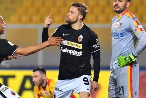 Serie B, l'Ascoli si sveglia solo nella ripresa e pareggia con il Pordenone 1-1