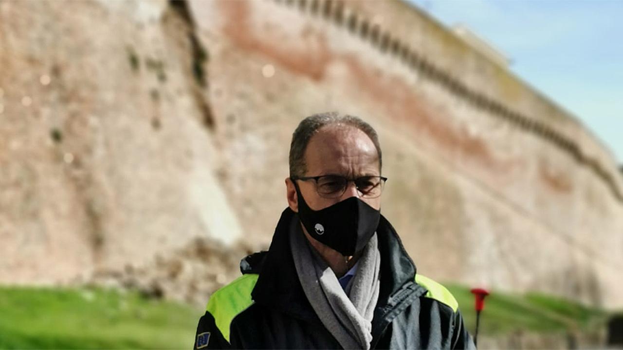 L'assessore Stefano Aguzzi a Corinaldo per il crollo delle storiche mura