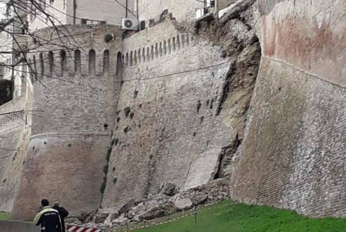 Corinaldo, si sgretolano le mura storiche del borgo