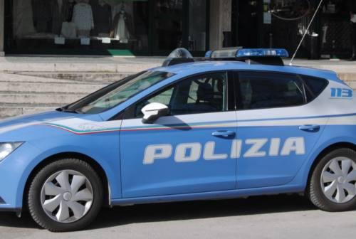 Fano, 18enne aggredisce un poliziotto: condannato a un anno e 8 mesi di reclusione