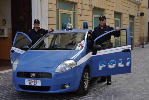 Un premio ai due agenti di Pesaro che evitarono una strage in famiglia