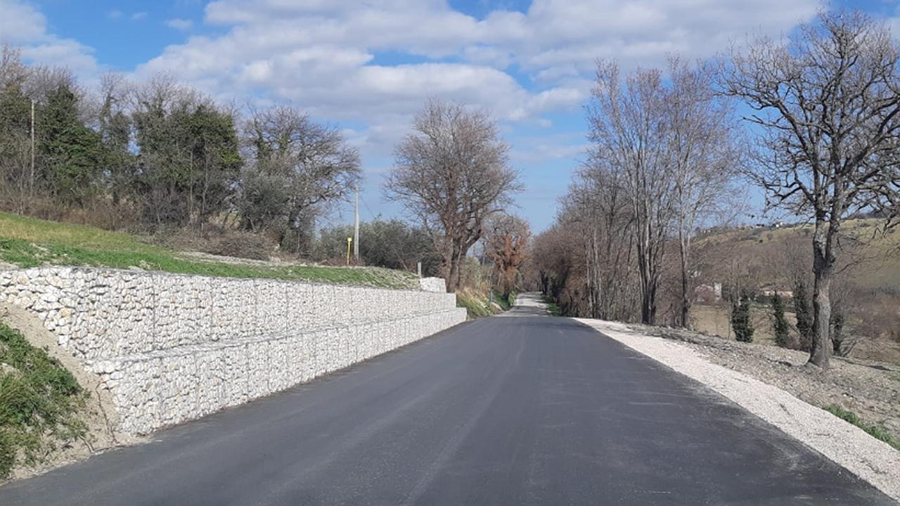 Arcevia, sistemata la strada fonti di Berlenga dopo i danni causati dal dissesto idrogeologico