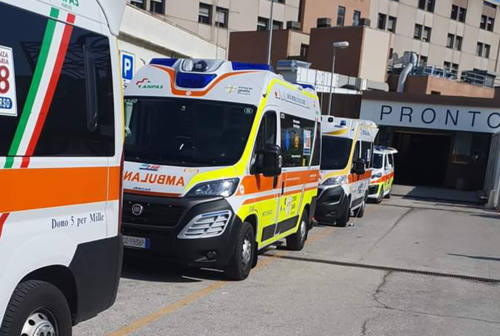 Ambulanze in fila a Torrette, Contucci: «La situazione è ancora impegnativa»