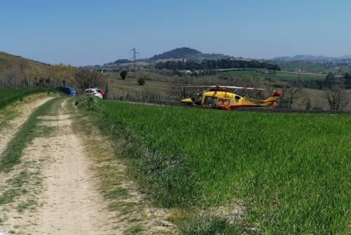 Osimo, ciclista trovato morto nella campagna di Casenuove