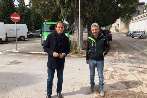 Jesi, sopresa nel cantiere del cimitero: si presenta Roberto Mancini