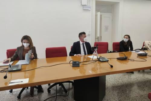 Covid nelle Marche, la Giunta regionale dice no al Consiglio straordinario. Mangialardi: «Gestione inadeguata»