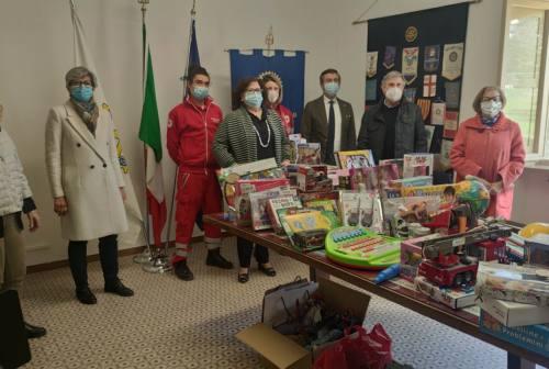 Rotary Macerata al fianco della Croce Rossa. «Giocattoli in dono alle famiglie in difficoltà»