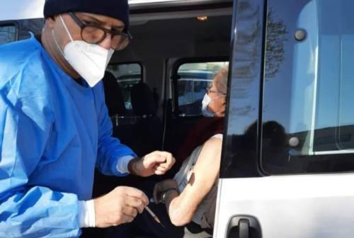 Senigallia, i medici di famiglia sbottano: «Basta proclami, mancano i vaccini e un programma»