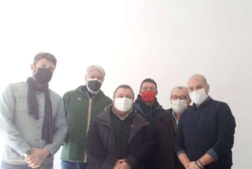 Pesaro, il sit-in della rabbia: ristoratori, albergatori, estetisti in piazza