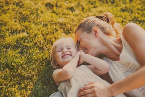 Abbraccia una mamma, pacchi spesa solidali grazie a Gruppo Abele e Abit/Trevalli