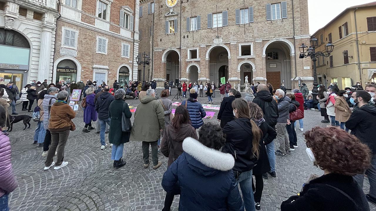 La manifestazione svoltasi a Senigallia promossa dal movimento Donne contro i fascismi