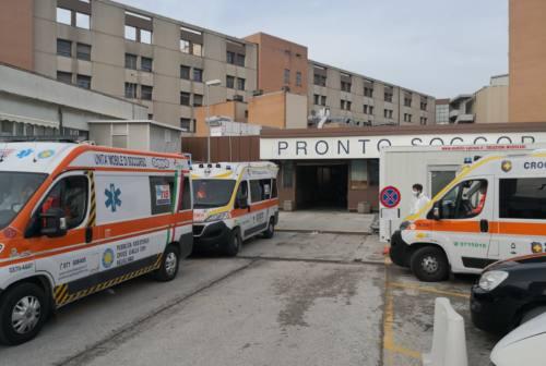 Pronto Soccorso di Torrette preso d'assalto, vertice in direzione ospedaliera
