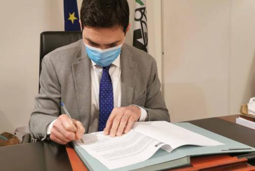 Zona rossa per le province di Pesaro Urbino e Fermo, Acquaroli ha siglato l'ordinanza