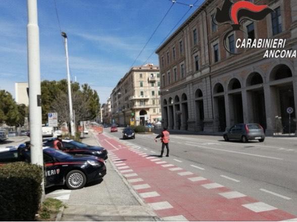 Ancona, controlli dei carabinieri