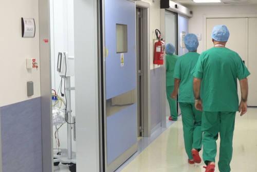 Coronavirus nelle Marche: 11 decessi, 20 ricoveri in meno e 277 positivi