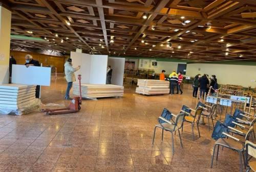 Punto vaccini di Pesaro chiuso 3 giorni, Biancani: «Incapacità organizzativa»