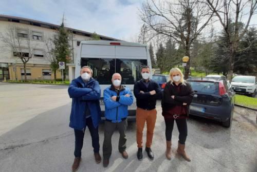 Via gli anziani dall'ospedale di Matelica. Il sindaco di Pieve Torina non ci sta: «Non sono pacchi postali»