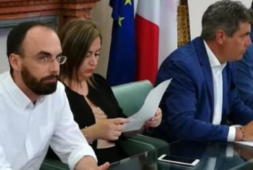 Fano, il Comune annuncia lo stop ai pagamenti per asili nido e trasporto scolastico