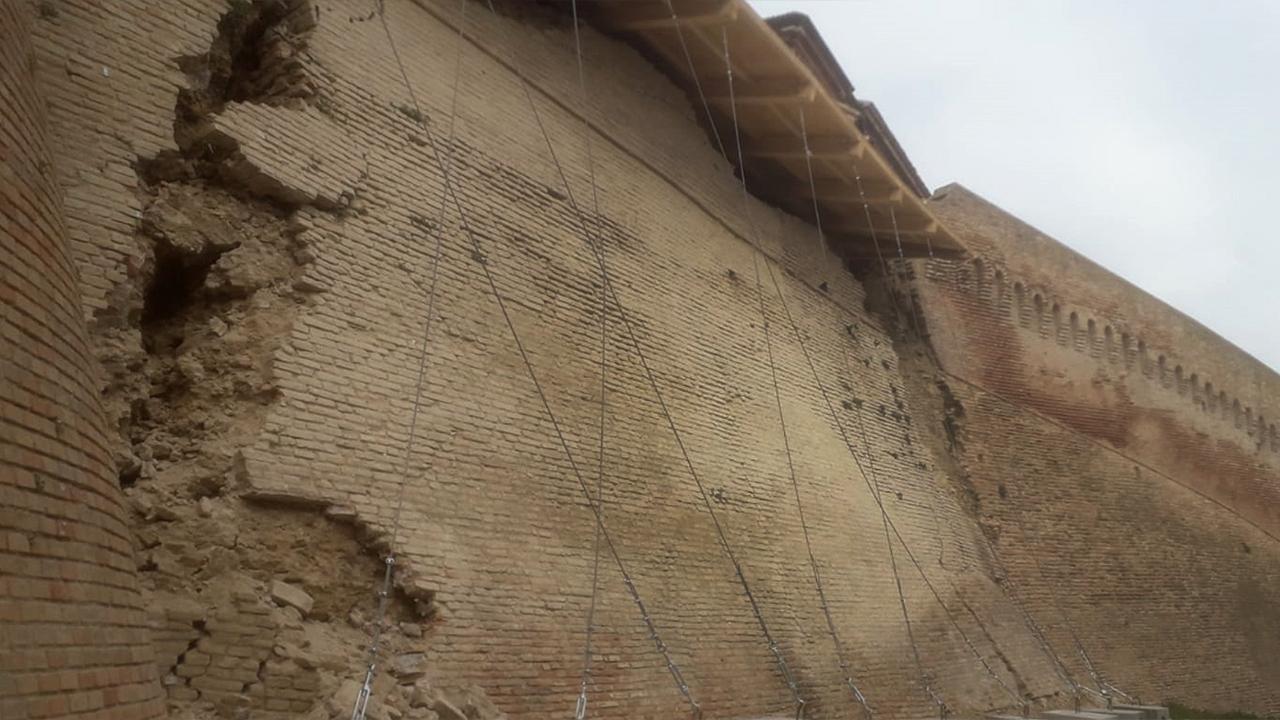 Altre crepe sulle mura storiche di Corinaldo