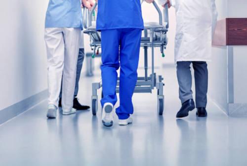 Coronavirus nelle Marche: 12 decessi, 40 ricoveri in meno e 341 positivi