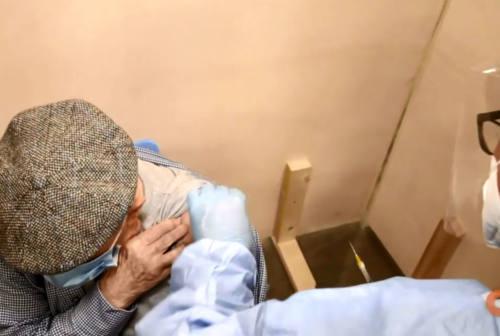 Vaccini, a Falconara lo sportello di sostegno per gli over 80