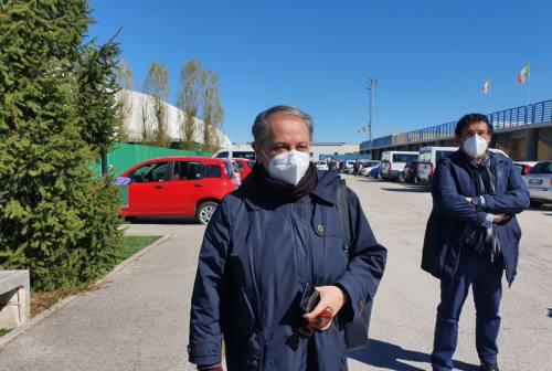Ancona, nuovo centro vaccinale al Palarossini con 15 postazioni. Mancinelli su AstraZeneca: «Sono over 60, io lo farò»
