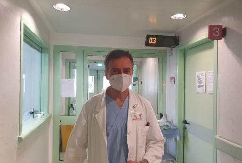 Covid, mortalità -30% nelle Marche. Giacometti: «Pazienti sempre più giovani. Meno contagi in estate? Staremo a vedere»