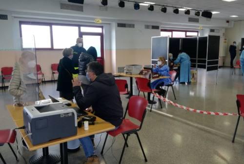 Falconara, centro vaccinale Leopardi aperto 4 su 7. Al via la piattaforma di prenotazione