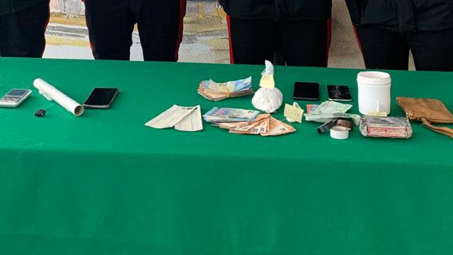 Cocaina e contanti sequestrati