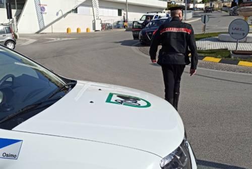 Osimo, guidava senza patente da anni e fuori regione: scatta la maxi multa