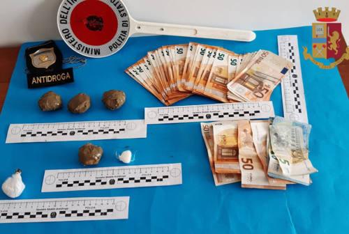 Ancona, arrestata coppia di spacciatori: trovati cocaina e soldi in contanti