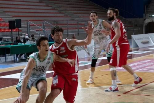 Basket Serie B, il Campetto paga le assenze: la Goldengas Senigallia sbanca il Palarossini