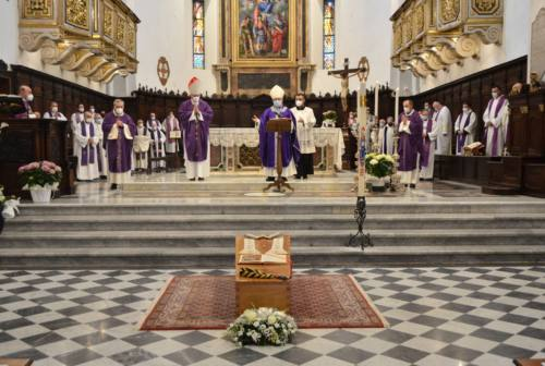 Fabriano: l'addio a Don Alfredo, che «ha vissuto con dignità la sua vocazione sacerdotale»