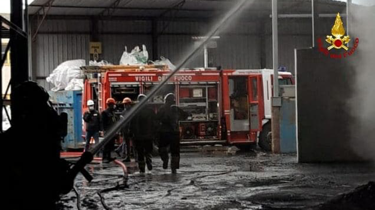 Incendio alla Profilglass