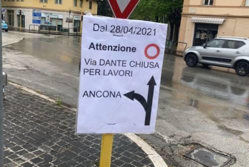 Fabriano: lavori di riasfaltatura in via Dante, modifiche alla viabilità