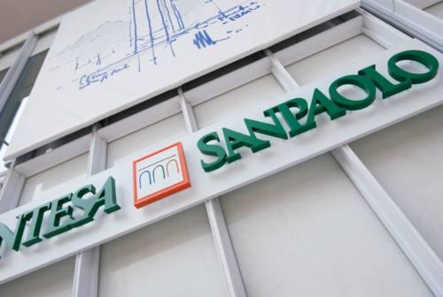 Intesa Sanpaolo e sindacati firmano l'accordo sull'integrazione dei dipendenti Ubi