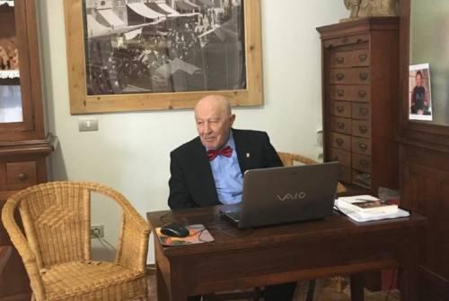 Università di Macerata, seconda laurea a 85 anni. «La storia è bella, ma va trattata nel verso giusto»