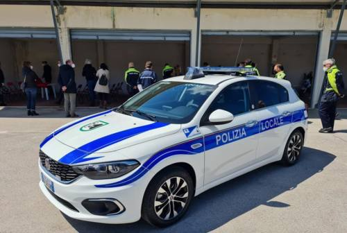 """Osimo, un mezzo """"anti Covid"""" per la polizia locale"""