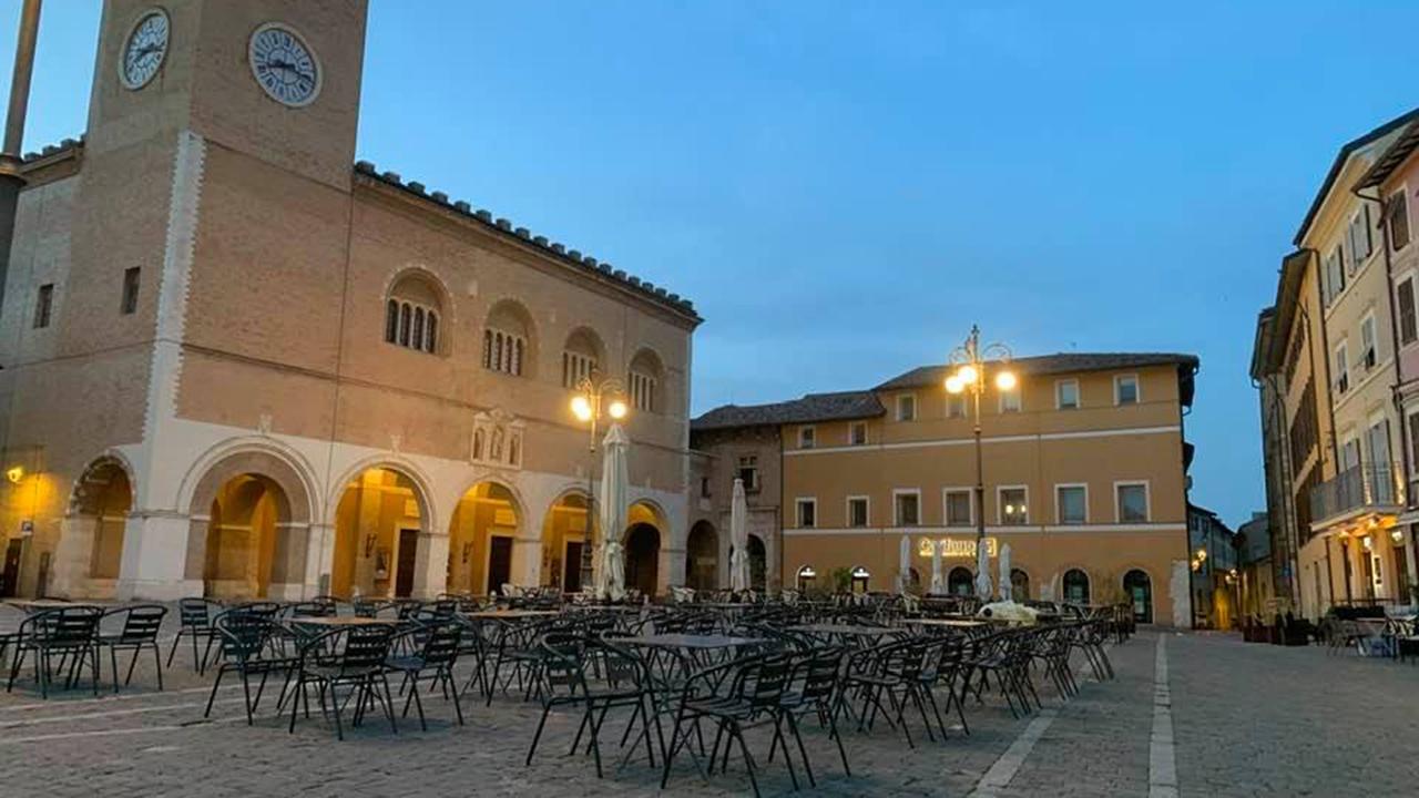 Scorcio di piazza XX Settembre di Fano (Foto Dimitri Tinti)