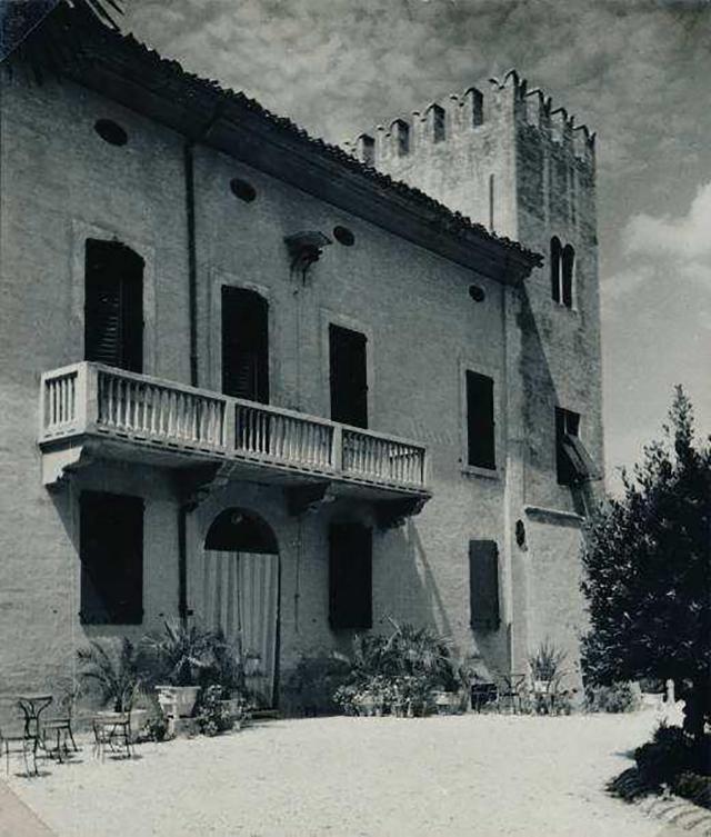 La storica villa Cesarini Duranti a Corinaldo, tra gli anni '30 e '40