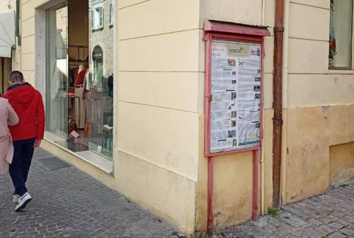 Via le bacheche dal centro storico di Senigallia