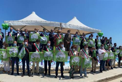 La bandiera verde dei pediatri 2021 alla spiaggia di Civitanova
