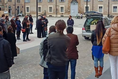 Senigallia, gli amici di Alfredo Pasquini ai funerali: «Scusaci, ti abbiamo abbandonato»