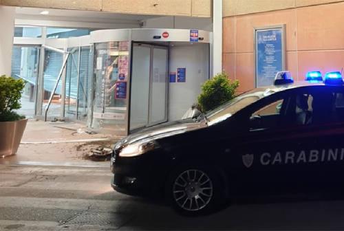 Furgone come ariete, furto al centro commerciale di Senigallia