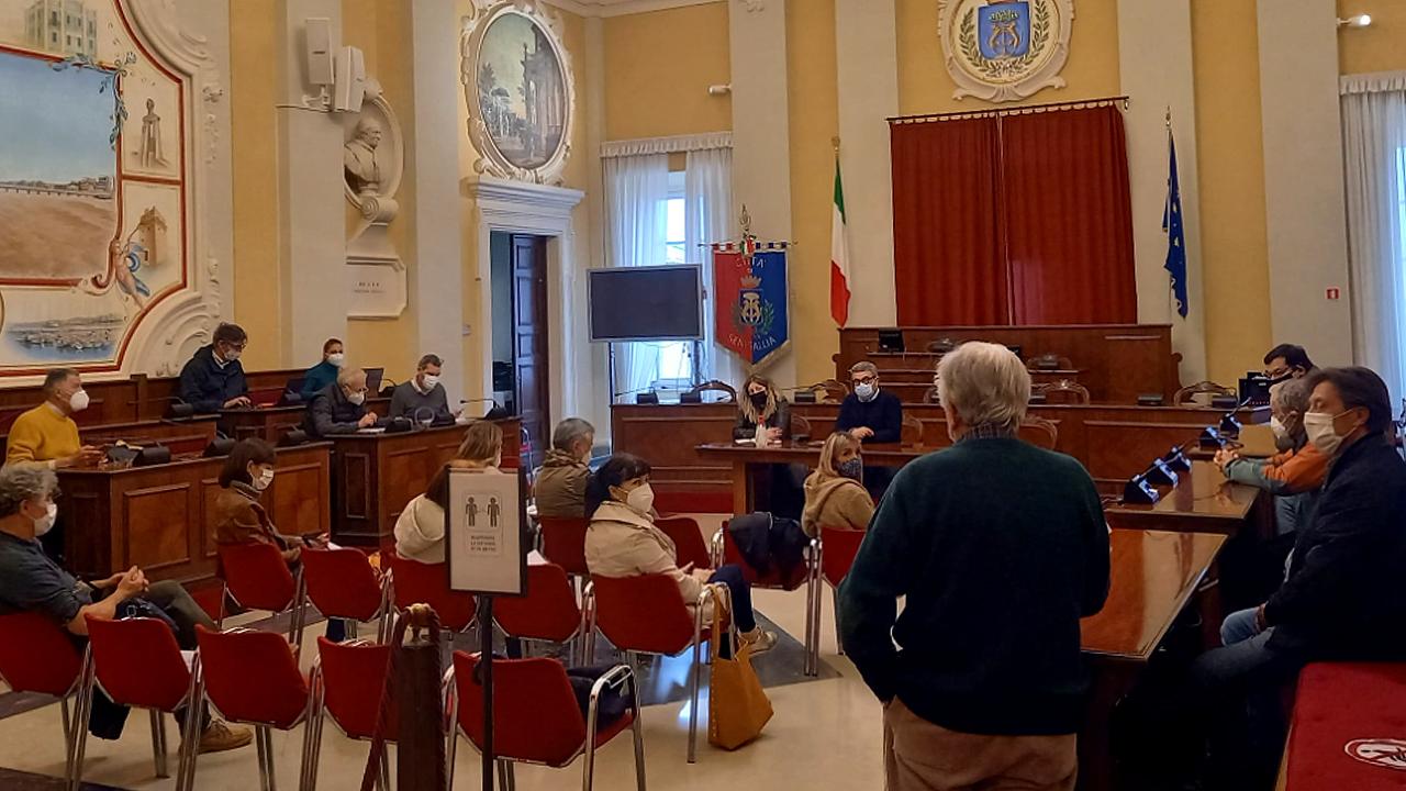 L'incontro tra l'amministrazione comunale e le associazioni ambientaliste svoltosi a Senigallia