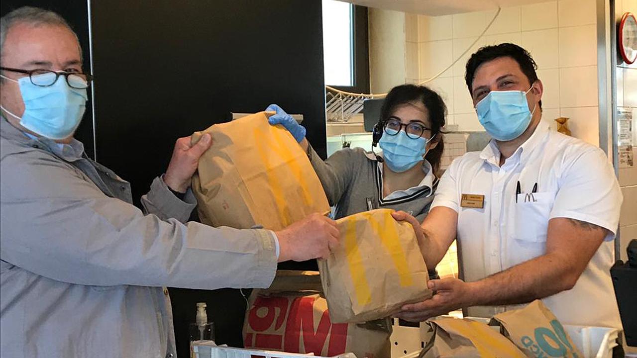 Prosegue la distribuzione di prodotti alimentari alla Casa del pane della San Vincenzo de Paoli grazie anche all'aiuto del McDonald's di Senigallia