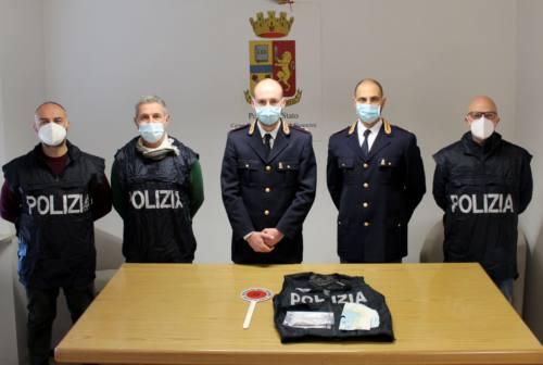 Civitanova, blitz della polizia  in stazione. In manette pusher tunisino